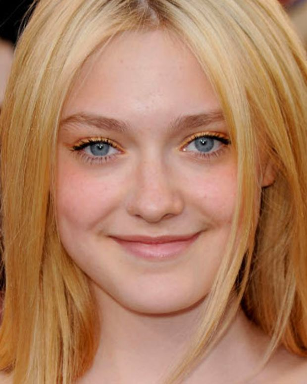 Dakota-Fanning-16-Twilight-Eclipse-Premiere1