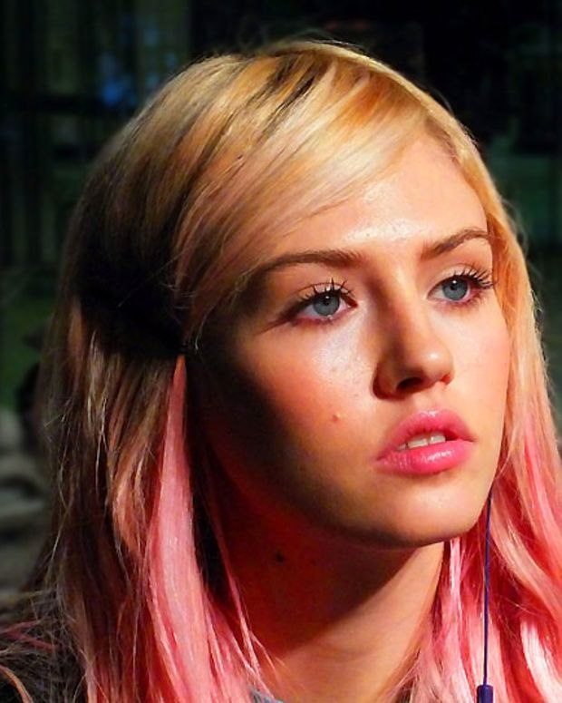 Charlotte Free for Pink Tartan_backstage at World Mastercard Fashion Week_Toronto_Oct 2012