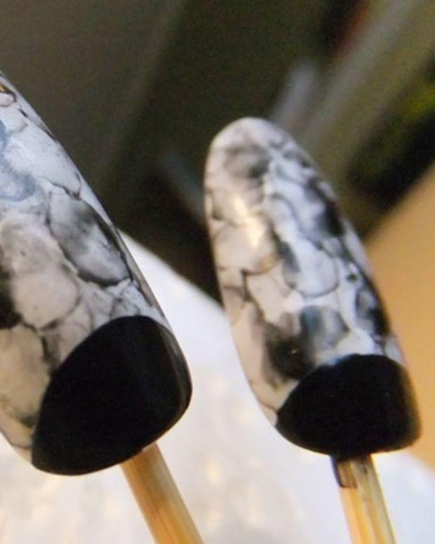 Smoky watercolour nails