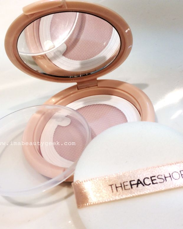 THEFACESHOP fillable loose-powder compact (great for saving your broken pressed powder too)