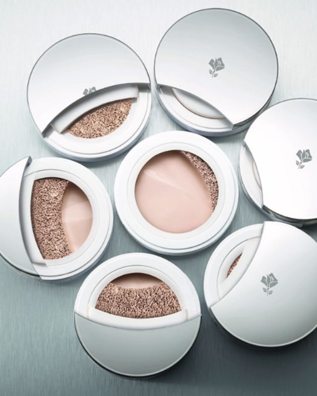 Lancome Miracle Cushion foundation group shot cross section