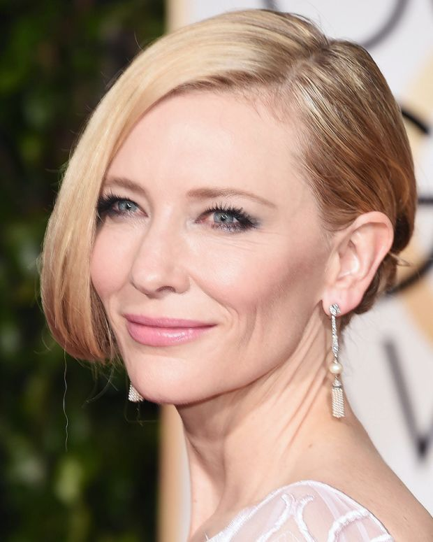 Cate Blanchett Golden Globes 2016 makeup_promo card.jpg