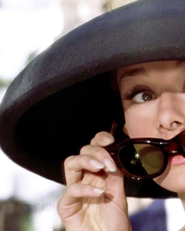 Audrey Hepburn Breakfast at Tiffany's sunglasses