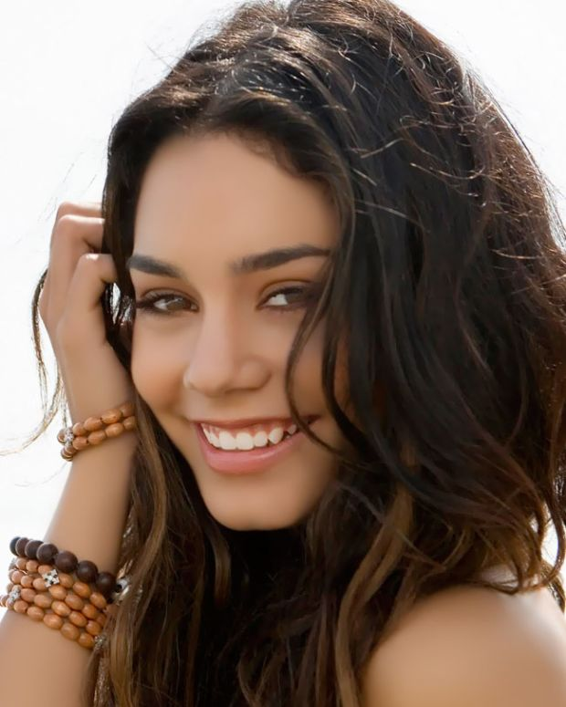 Five frizz fighters for prettier summer hair_Vanessa Hudgens