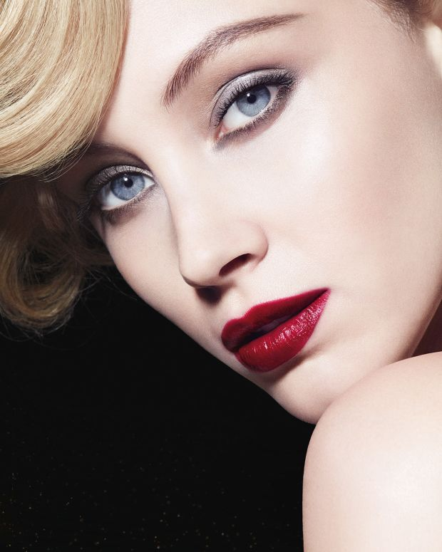 Armani Luxe is More palette_Sarah Gadon.jpg