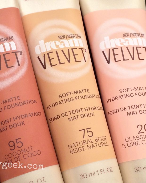 Maybelline Dream Velvet Soft Matte Hydrating Foundation_close up