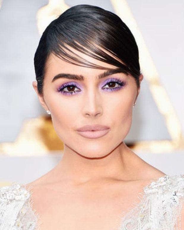 Olivia Culpo_Oscars 2017_lavender smoky eyes_crop