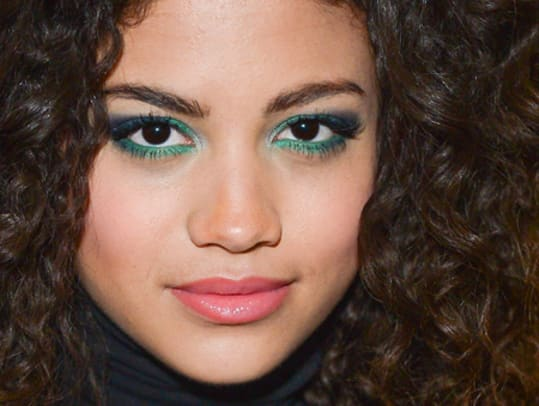Sephora-Pantone-Color-Theory-eye-shadow-in-Bionic_photo-by-George-Pimentel