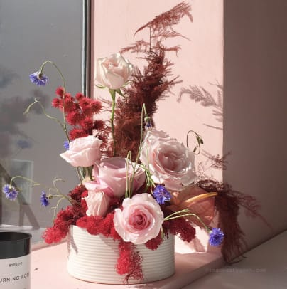 Glossier Toronto Pop-Up_flower arrangements by Coyote Flowers