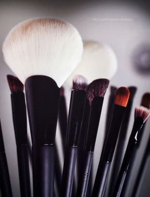 quo's new makeup brushes new shapes  how to use