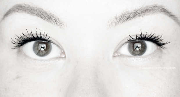 MAC Instacurl Lash review_after_bw.jpg