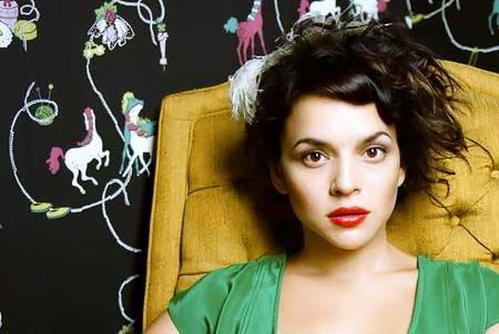 cut line obsessed with norah jones new do