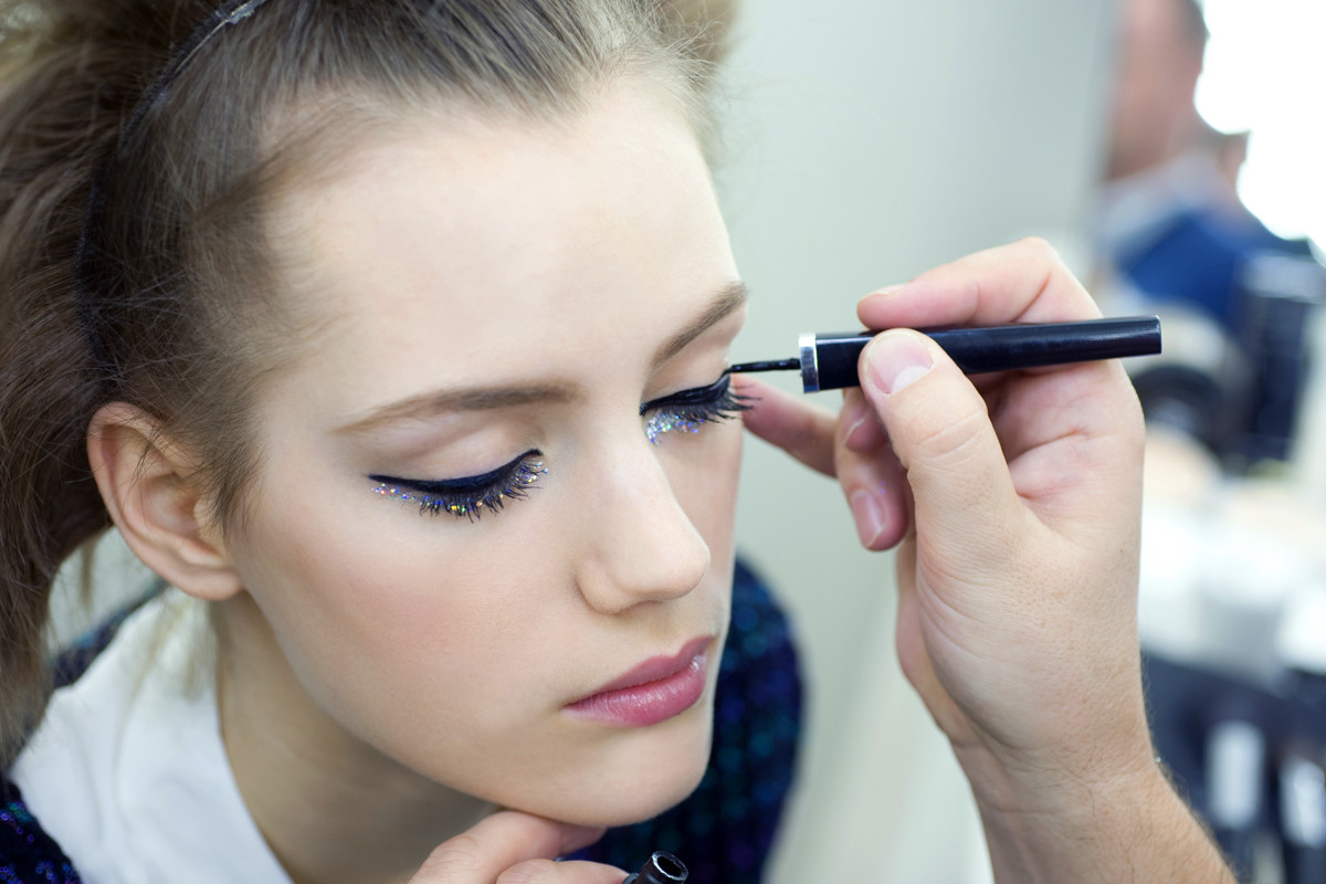 Chanel sequin eyes_Chanel Spring Summer 2014 Haute Couture makeup_backstage application