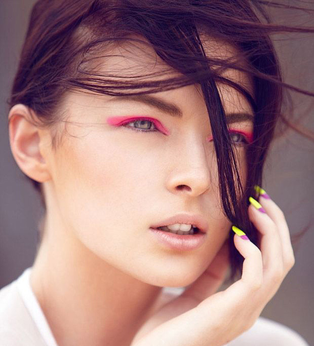 how to wear bright eyeshadow_pink_fashionising.com_photogs Lyndell and Daniel