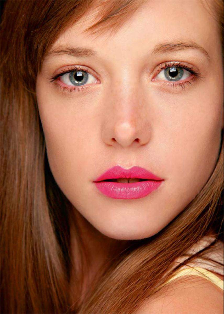 healthy skin_fuchsia lips