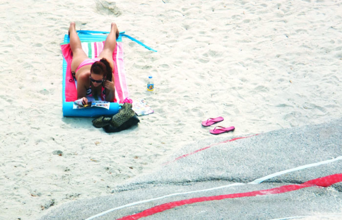 sunning on Sugar Beach_Toronto