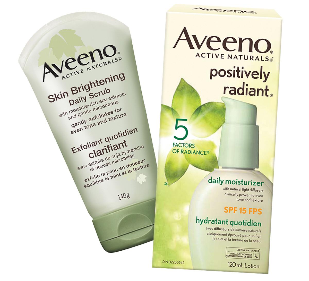 Jennifer Aniston TIFF 2014_Aveeno Brightening Daily Scrub_Aveeno Positively Radiant SPF 15 Moisturizer