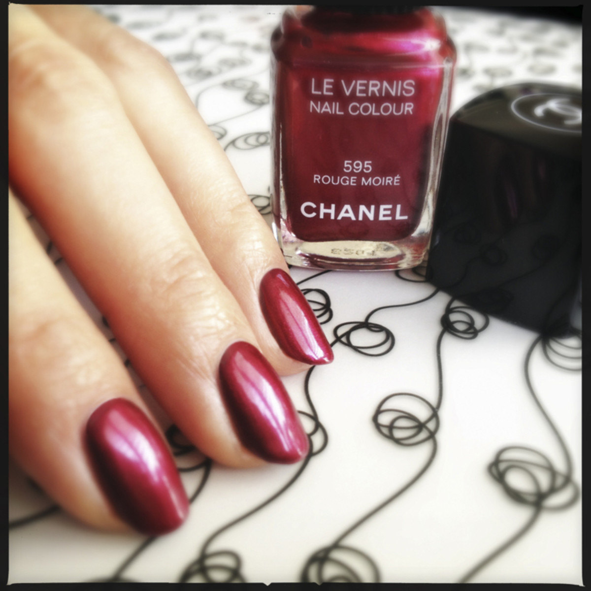 Chanel Rouge Moiré 595