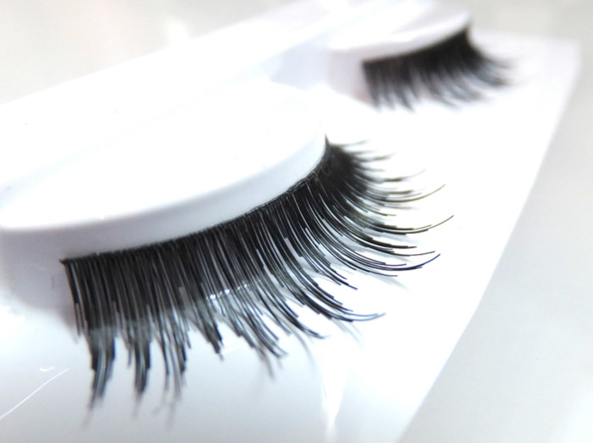 Duo lashes D13_Dense_for adding some drama to any eye shape