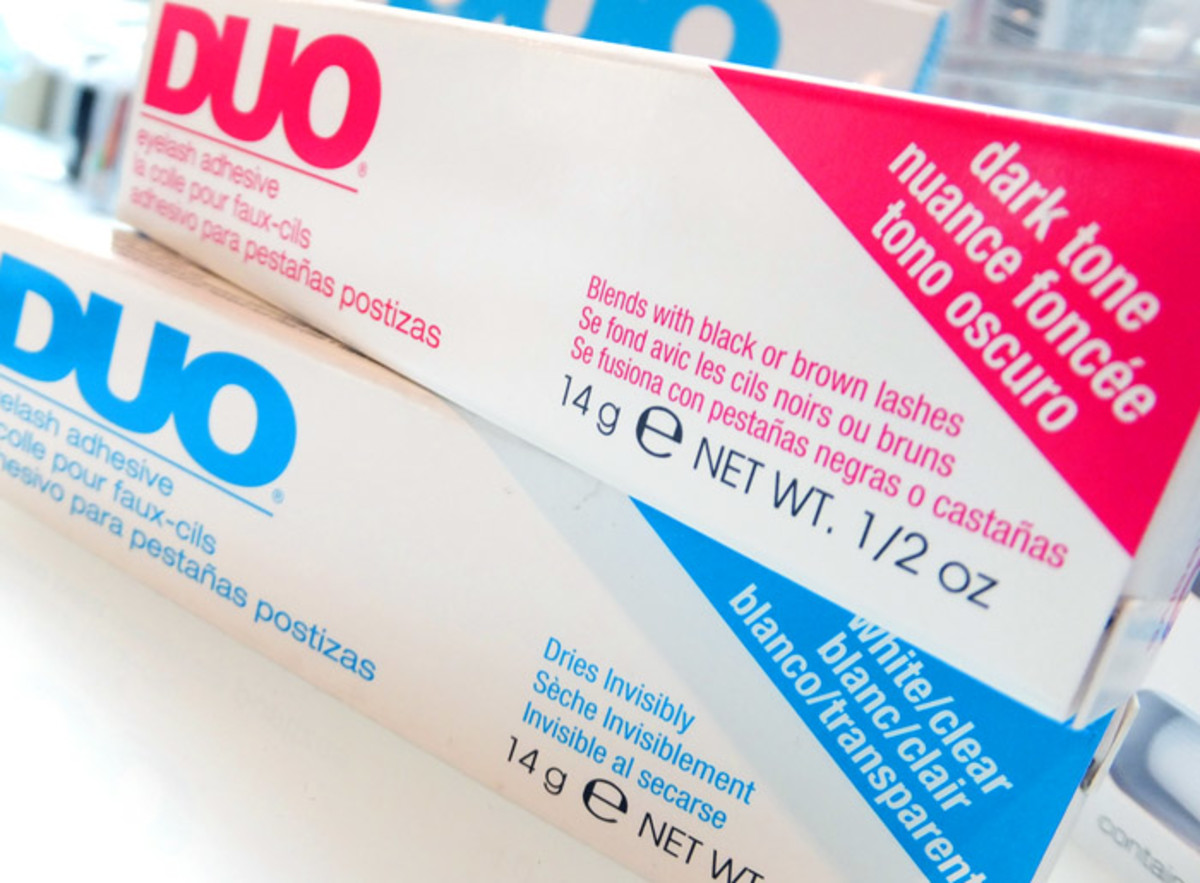 Duo lash glue in Dark and Clear