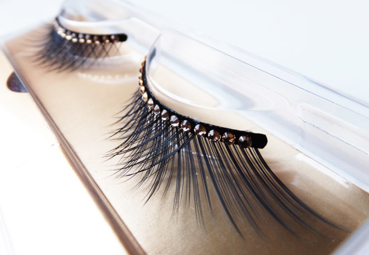 Dior Grand Bal False Lashes_002 Gold Crystals