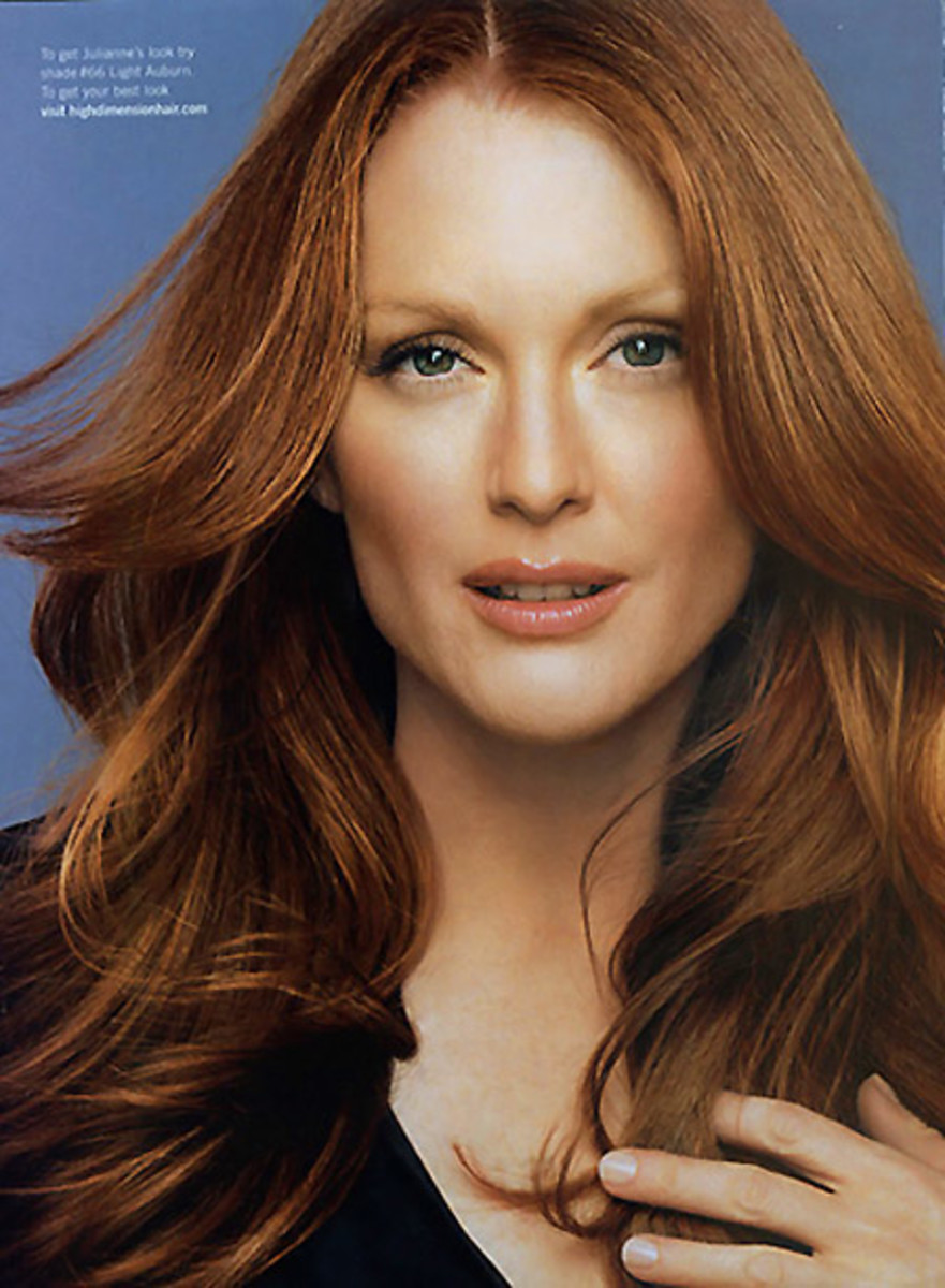 how to wear bronzer in winter_Julianne Moore_makeup by Scott Barnes