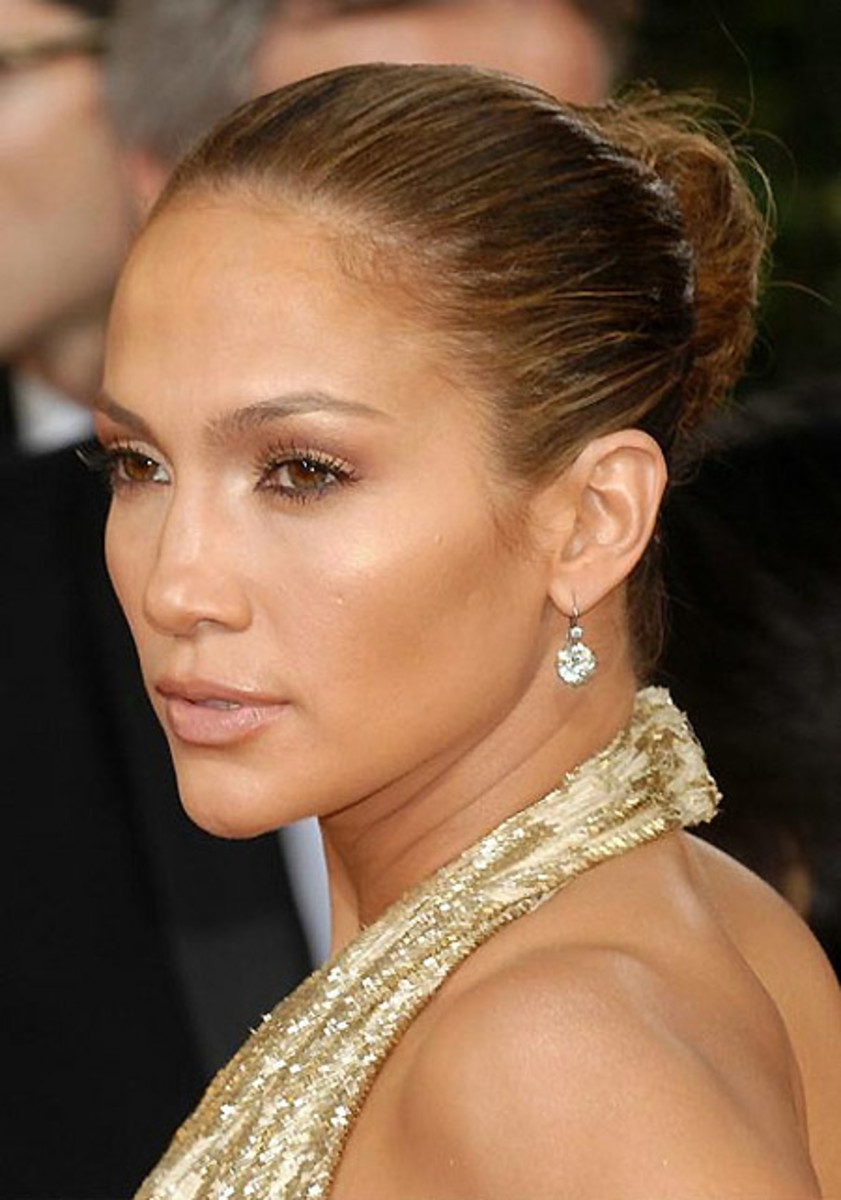 how to wear bronzer in winter_Jennifer Lopez_JLo_makeup by Scott Barnes_Golden Globes 2009