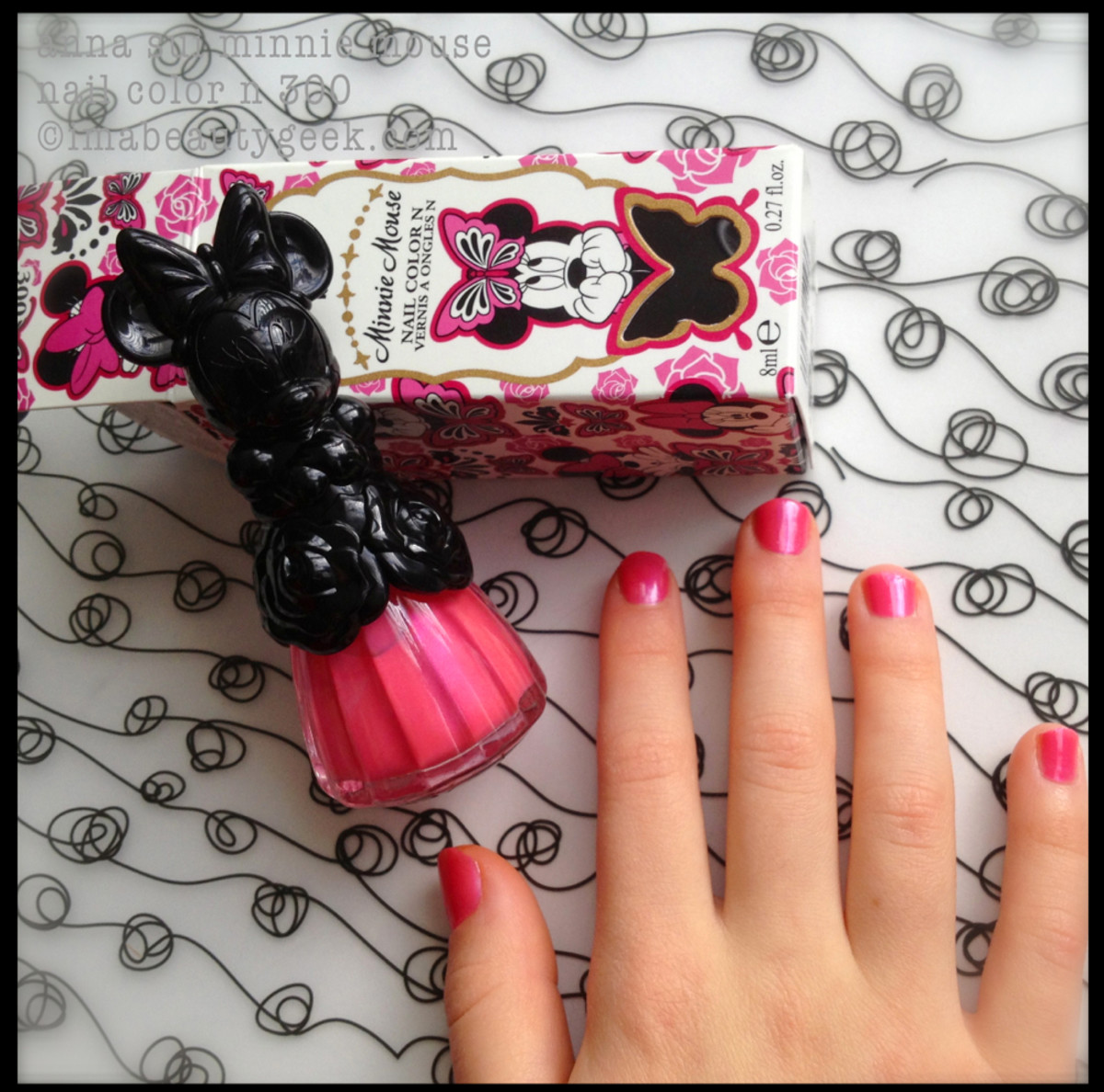 Anna Sui Minnie Mouse and little hands
