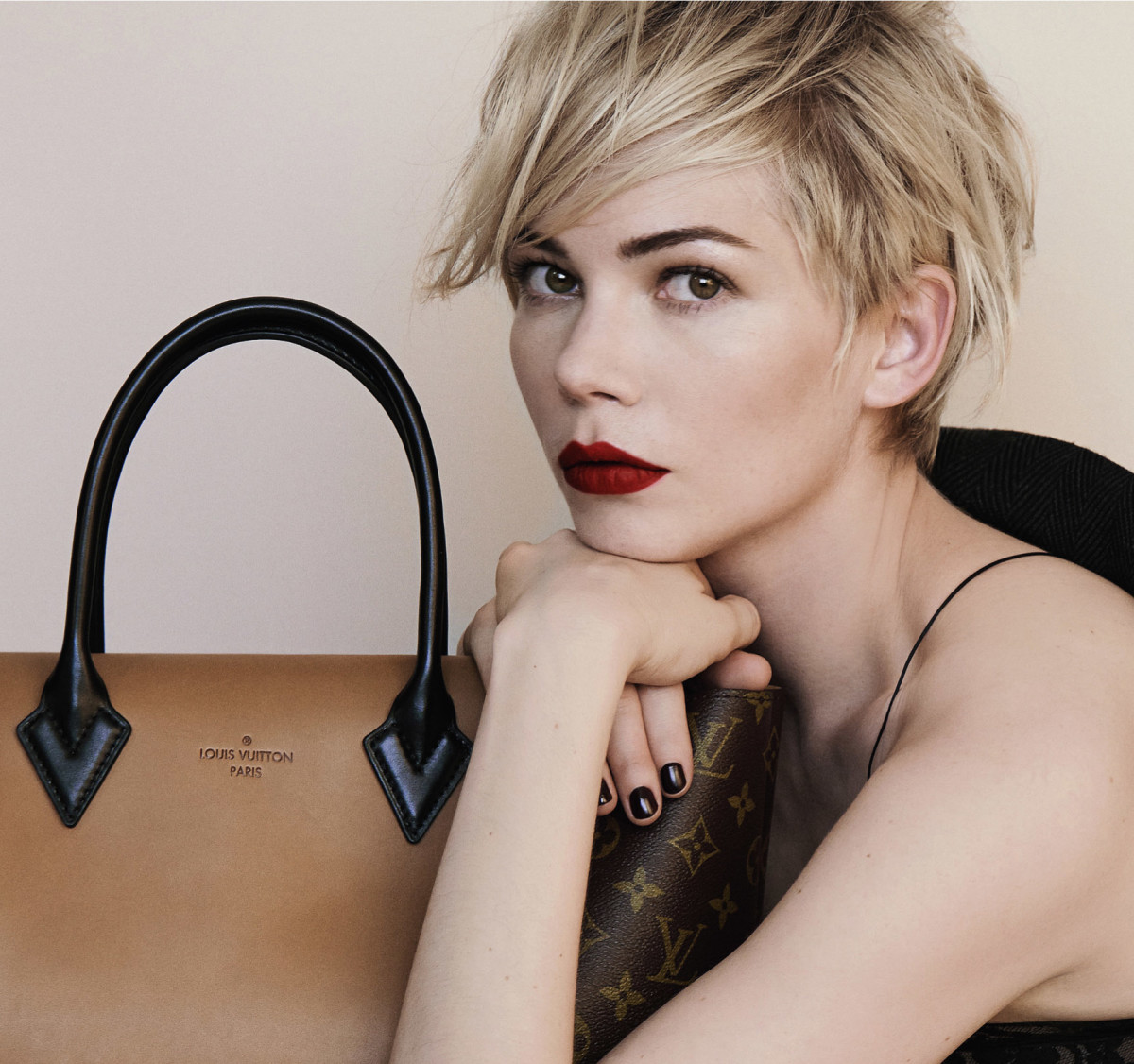 michelle-williams-louis-vuitton-close-up crop