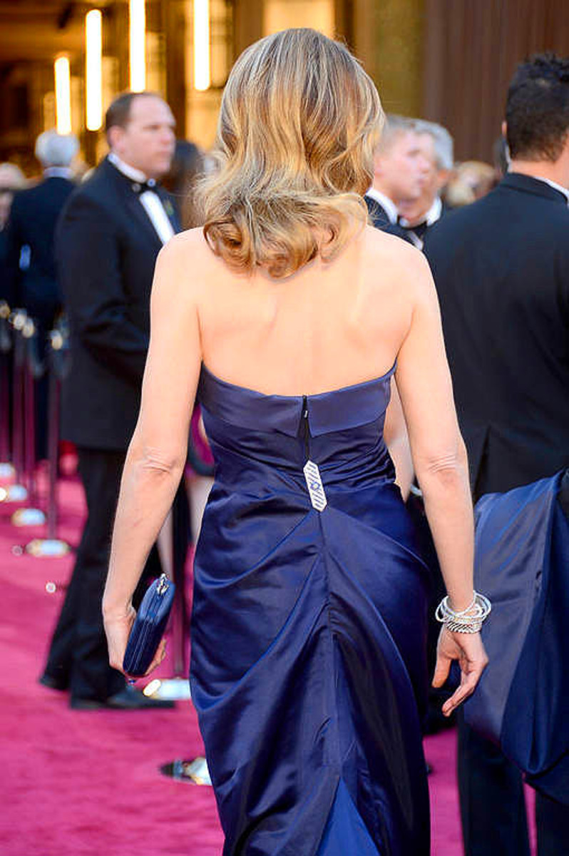 Helen Hunt_Oscar dress_back_jewels