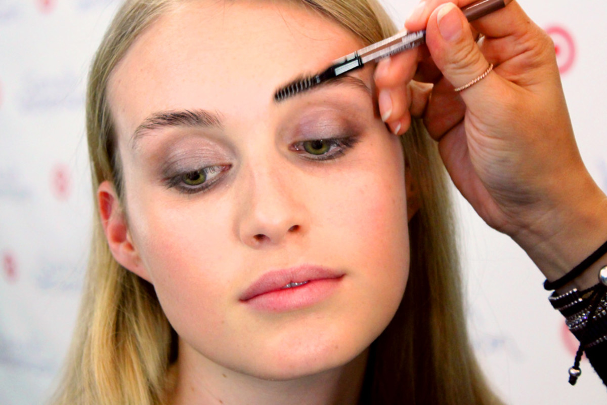 soft spring smoky eyes_brush brows up_makeup by Grace Lee_Sarah Stevenson for Target