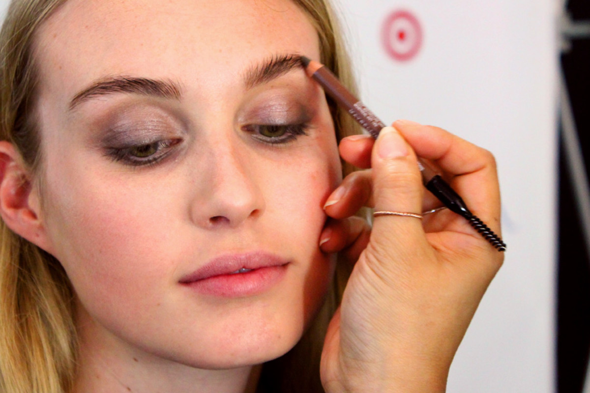 soft spring smoky eyes_brow pencil_makeup by Grace Lee_Maybelline_Sarah Stevenson for Target