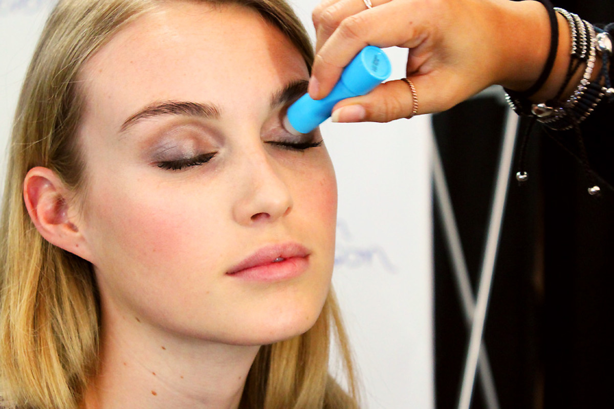 soft spring smoky eyes_baby lips lids_makeup Grace Lee_Maybelline_Sarah Stevenson for Target