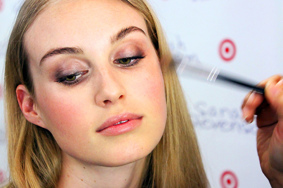 soft spring smoky eyes_highlighting cheekbones_makeup by Grace Lee_Maybelline_Sarah Stevenson for Target