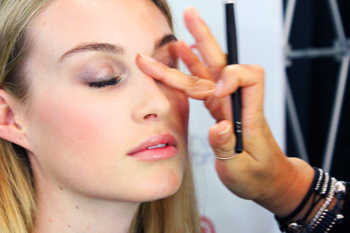 soft spring smoky eyes_final highlighting_makeup Grace Lee_Maybelline_Sarah Stevenson for Target
