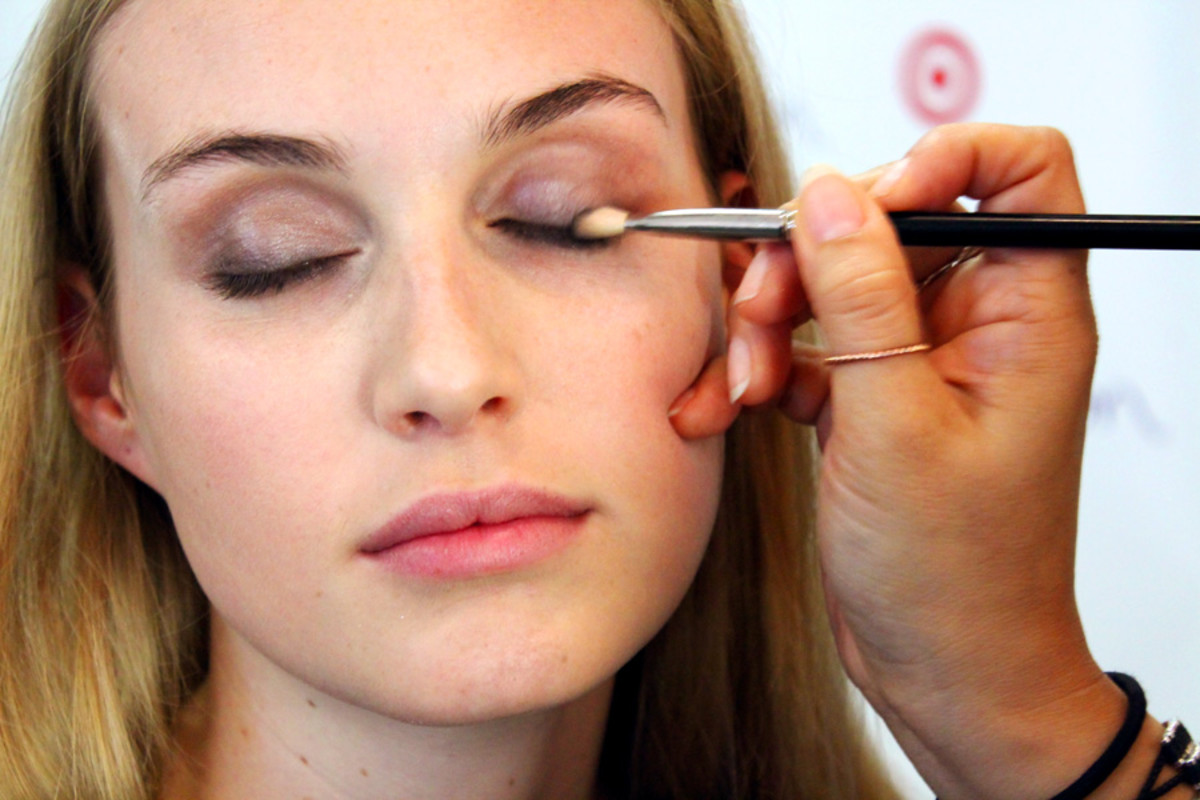 soft spring smoky eyes_intensify lashlines_makeup Grace Lee_Maybelline_Sarah Stevenson for Target