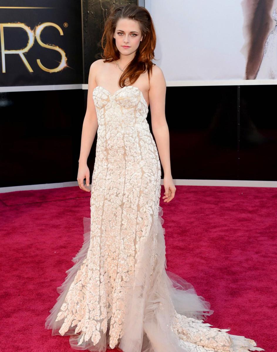 Kristen Stewart_full-length_Oscars