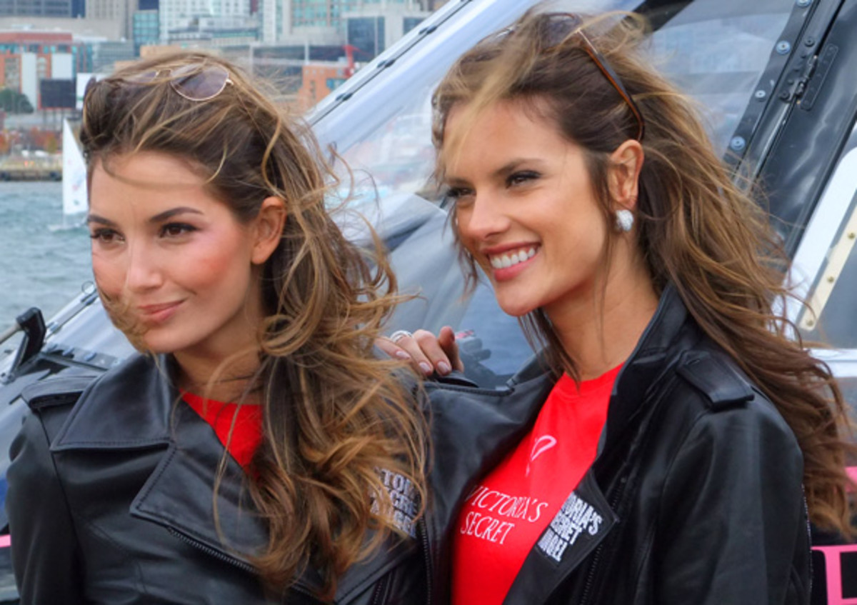 Victorias Secret Angels_Lily and Alessandra