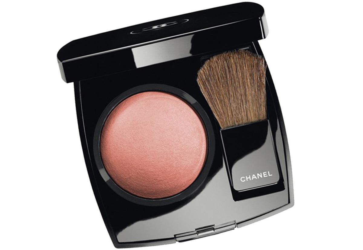 Kiera Knightley TIFF 2014_Chanel Joues Contraste powder blush in Rose Bronze
