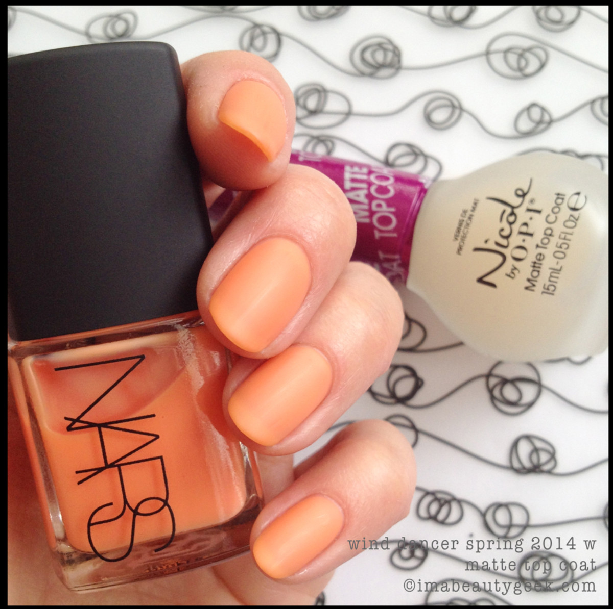 NARS Polish Wind Dancer w Matte Top Coat_2