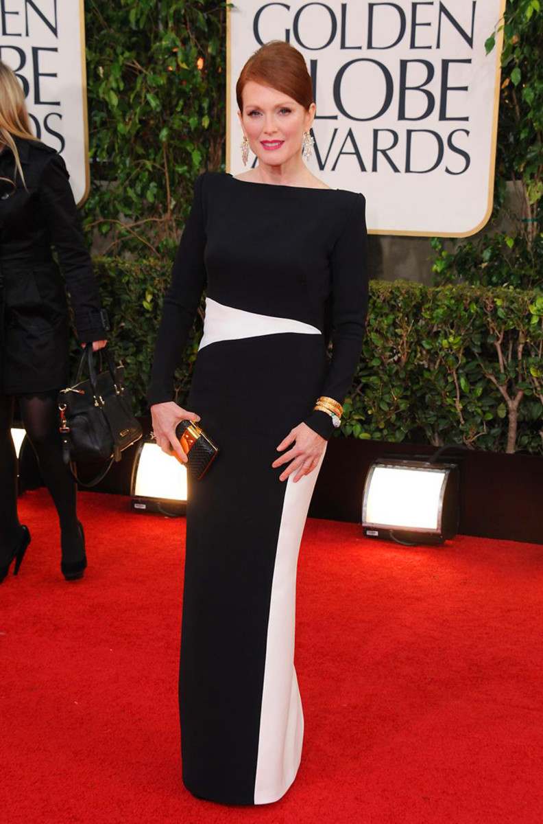 julianne-moore-golden-globes-2013-tom-ford-gown