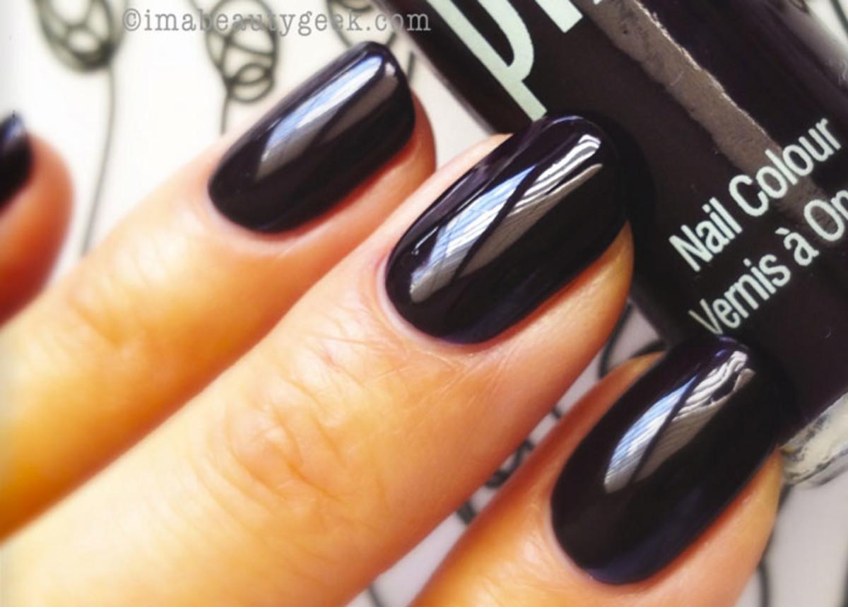 Mani Monday: Fall 2013 Blackened Nail Polish Shades + a Side of ...