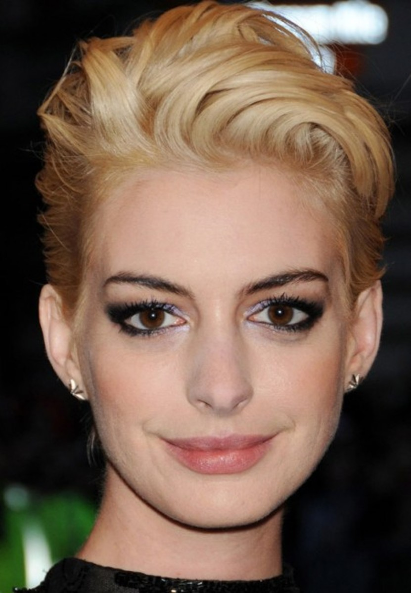 Anne-Hathaway_look.co_.uk_-450x650