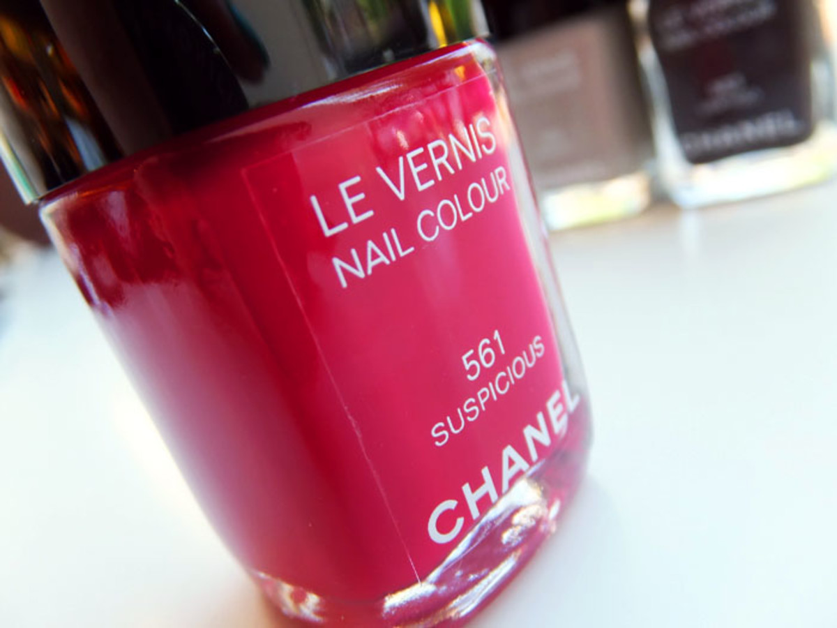 Chanel Nail Colour in 561 Suspicious_Fall 2012 makeup