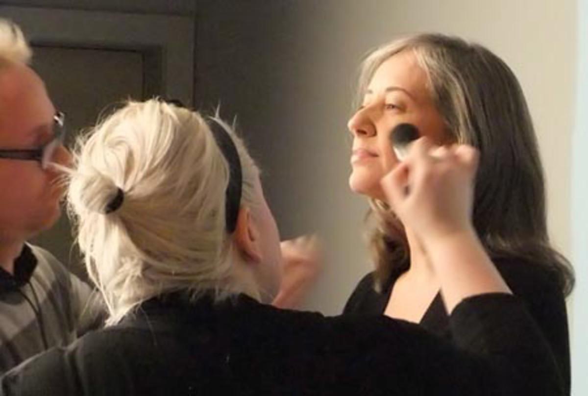BEAUTYGEEKS_imabeautygeek.com_Liza Herz on set for Canadian Living Mag