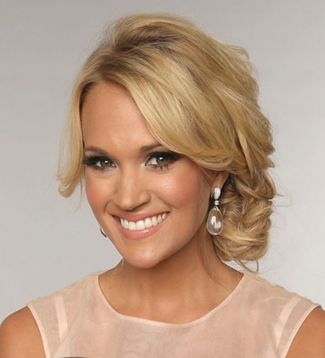 carrie-underwood-cmt-music-awards_June 2013