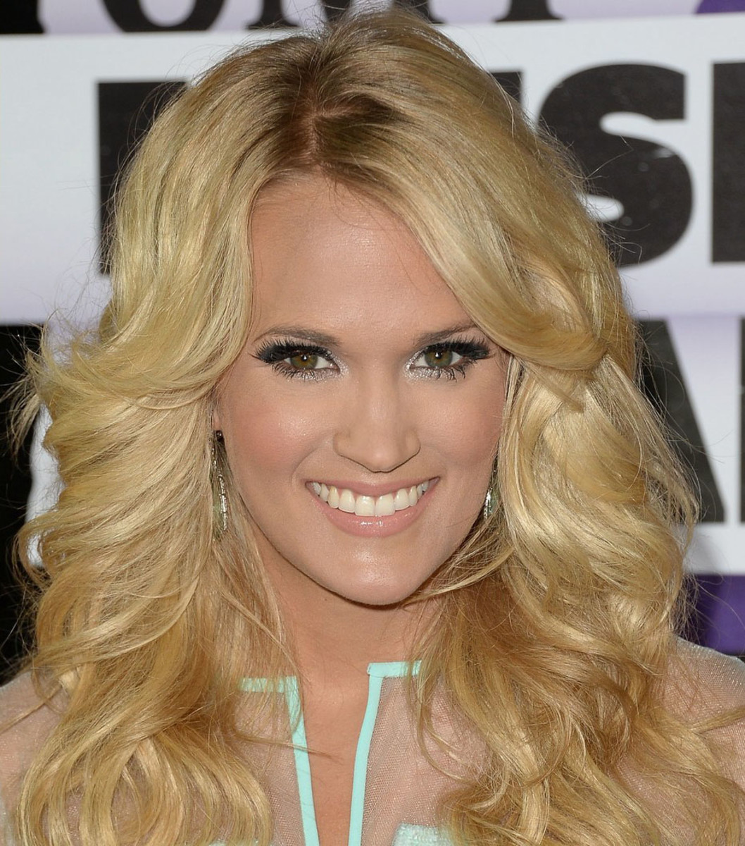 Carrie Underwood_CMT Music Awards_June 2013
