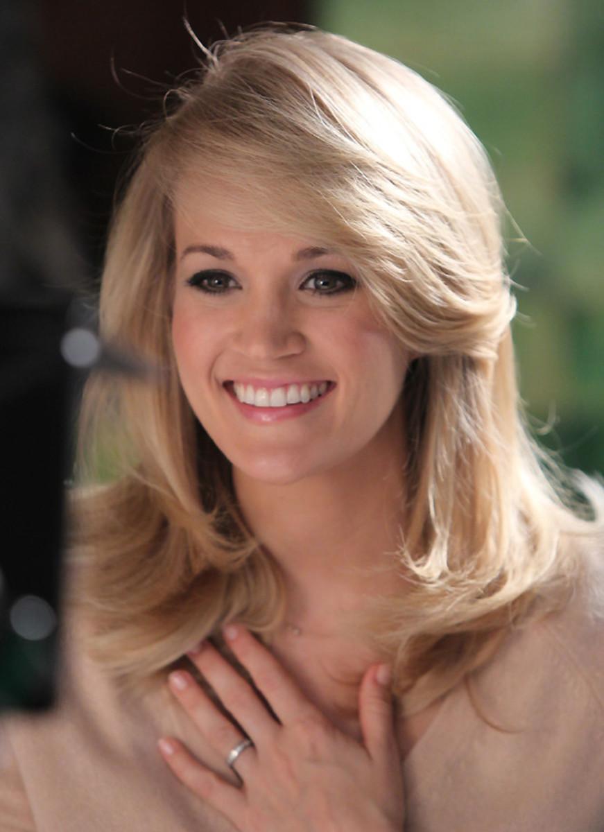 Carrie Underwood Almay 2014
