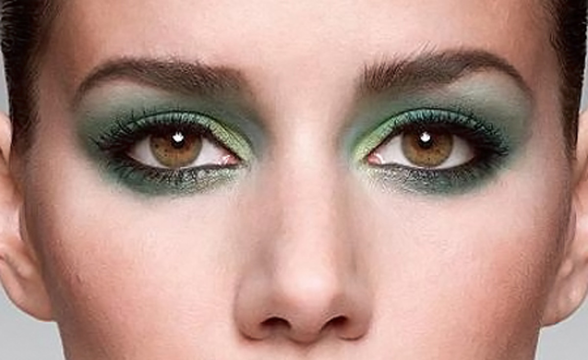 NARS_green shadow on hazel eyes