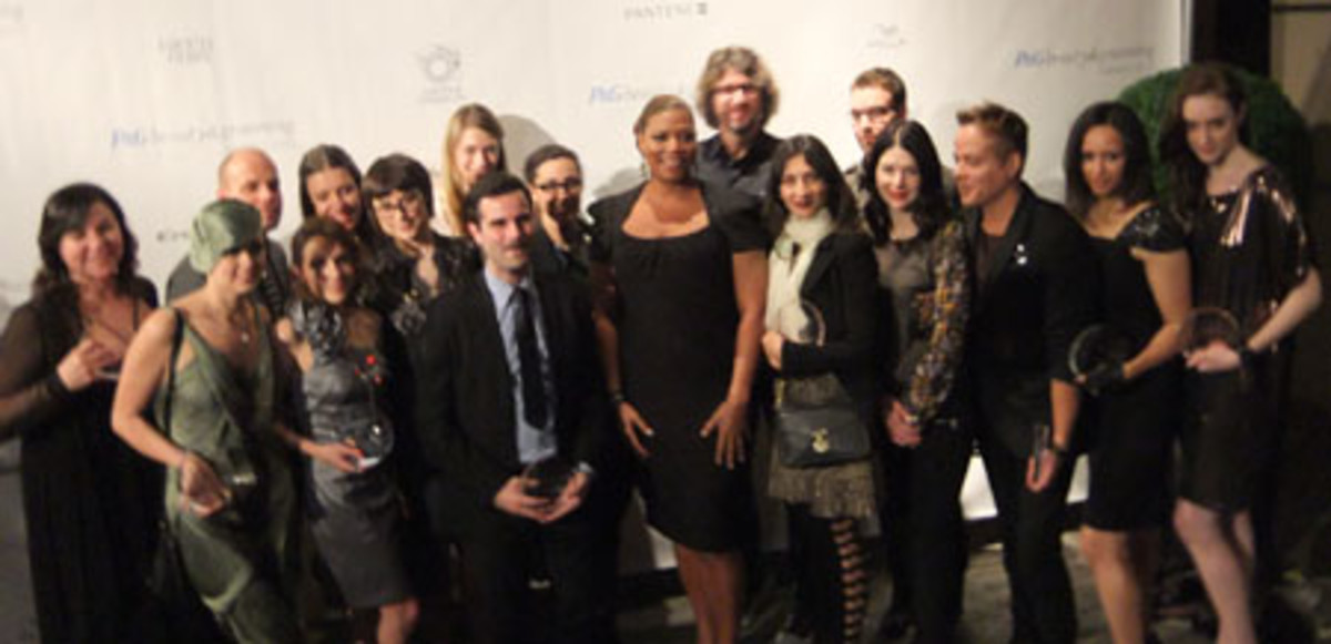 Winners with Queen Latifah at the 2010 P&G Beauty Awards in Toronto